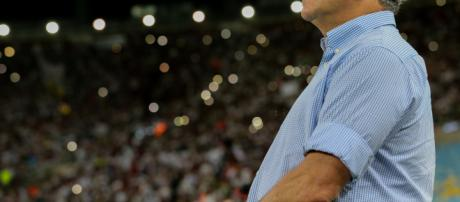 Abel Braga decide levantarse en pelea, y defender a jugador de Fluminense