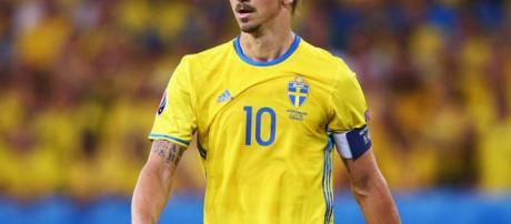 Zlatan Ibrahimovic está considerando volver al equipo nacional de Suecia