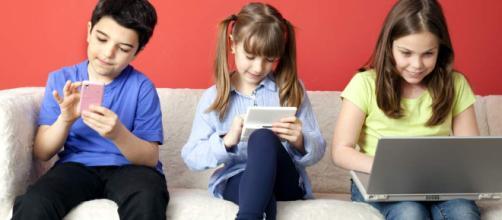 Regula el uso del Internet a los niños