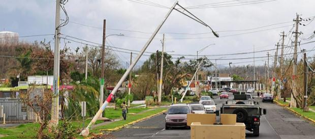 Damaged power supply lines after Hurricane Maria. - [Image credit - Waldemar Rivera, Wikimedia Commons]