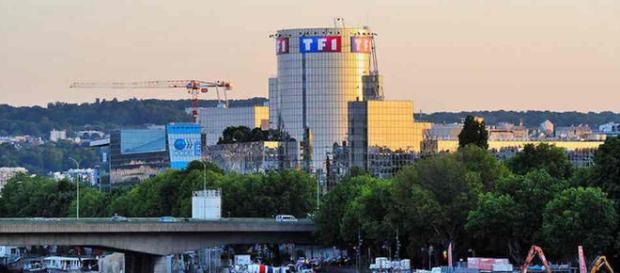Le Groupe TF1 veut désormais faire payer ses opérateurs pour diffuser ses chaînes gratuites. Canal+ contre-attaque !