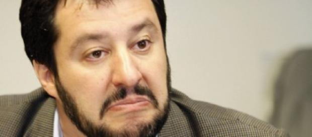 """Salvini: """"Querelerò De Magistris, non può vietarmi di venire a Napoli"""" - zon.it"""