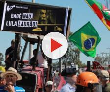 Ex-presidente Lula foi hostilizado durante passagem por Bagé, no interior gaúcho. (Foto reprodução).