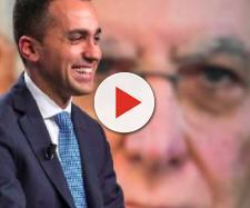 Luigi Di Maio e, sullo sfondo, il presidente Mattarella