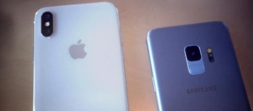 Galaxy S9 vs. iPhone X: See Samsung's new design next to Apple's ... - bgr.com