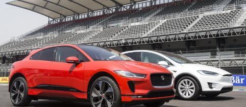Jaguar dice que su I-Pace se merienda al Tesla Model X.
