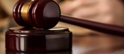 Stalking contro i vicini di casa: coppia condannata a tre anni di carcere