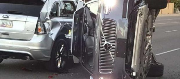 El primer accidente de un auto sin conductor.