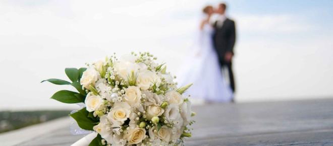 Nova tendência promete revolucionar o traje das noivas; conheça a proposta