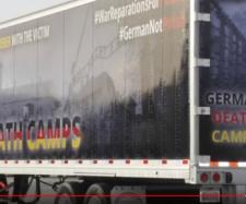 Ciężarówka przejechała ulicami Chicago.