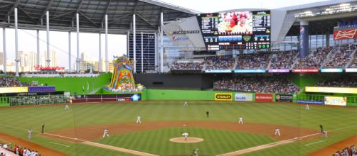 https://en.wikipedia.org/wiki/History_of_the_Miami_Marlins | Marlins vs the Cardinals