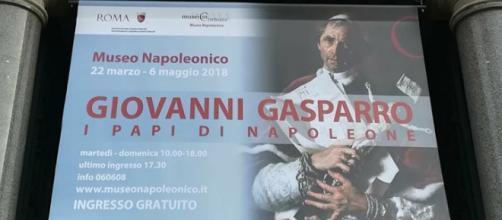 'I Papi di Napoleone' di Giovanni Gasparro in mostra al Museo Napoleonico di Roma fino al 6 maggio.
