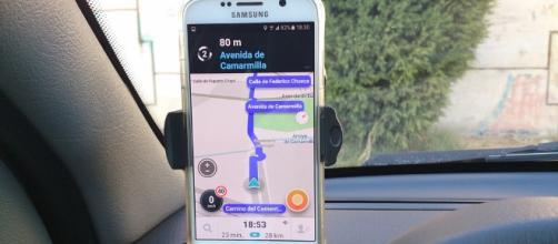 La sociedad dependiendo de las APPS: Como Google Maps o Waze y otros más