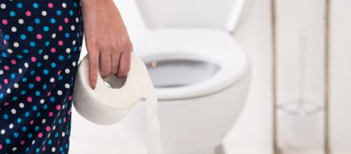 Prima o poi la diarrea colpisce chiunque: ecco come combatterla con rimedi naturali - foto:pazienti.it