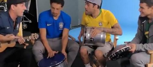 Vidéo : les Brésiliens du PSG chantent et jouent sur les airs de la samba