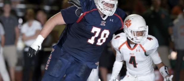 NFL: El jugador más gigante de la historia aterra a los institutos ... - as.com