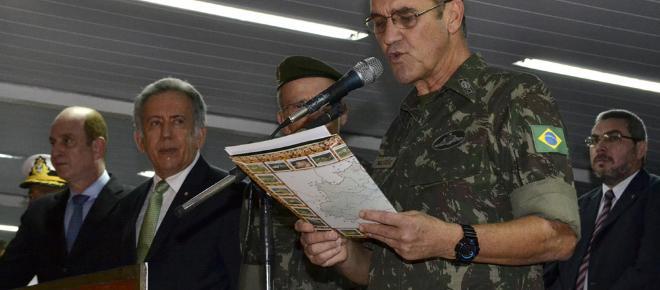 Comandante do Exército faz 'balanço' da situação do país e demonstra preocupação