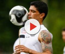 Mesmo na reserva, jogador quer ficar na Vila