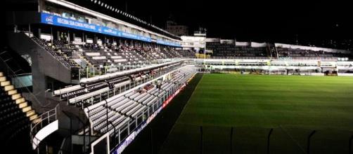Baixo público pode fazer diretoria mandar o jogo para São Paulo.(foto reprodução).