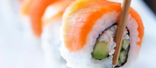 El consumo de esta comida japonesa podría provocar el crecimiento de parásitos infecciosos en el cuerpo