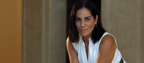 Gloria Pires, aos 54 anos, mostra corpão de biquíni na internet, veja.