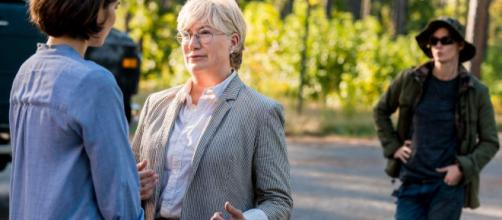 Jayne Atkinson no pudo confirmar ni negar el regreso a The Walking Dead