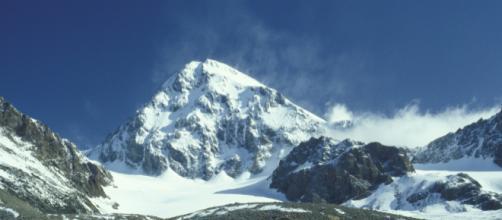La vetta del Gran Zebrù vista dalla Valtellina (foto: Marco Barci, Wikipedia)