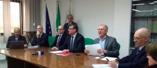 L'assessore Arru, con gli esperti, per spiegare la situazione sulla meningite in Sardegna