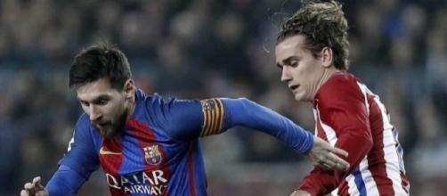 Leo Messi jogando contra Griezmann