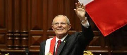 Pedro Pablo Kuczynski renunció a la presidencia de Perú