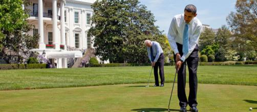 President Barack Obama plays golf with vice President Joe Biden (Image edit - Pete Souza, Wikimedia Commons)