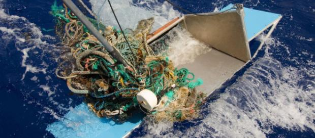 """Enquirer on Twitter: """"World's largest collection of ocean garbage ... - (Image Credit: AJPlus/Twitter)"""