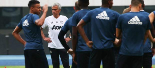 Mourinho prepara una barrida en el Manchester United: Se van 9 ... - diez.hn