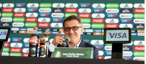 El técnico Osorio sabe que el jugador González tiene mucho futuro.