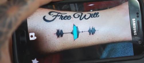 Tatuajes que suenan para recordar y escuchar a tus seres queridos