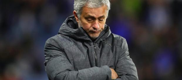 José Mourinho recebe fortes críticas como treinador.
