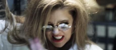 Lisa Marie Presley in new Manson video. [Image Credit: YouTube Screenshot/Vevo]