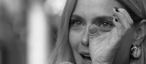 Carolina Dieckmann chora ao saber sobre a morte do avô