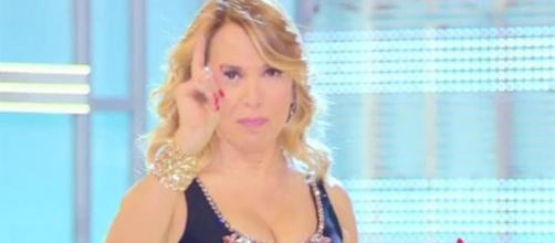Domenica Live, Barbara D'Urso censura la macchina della verità