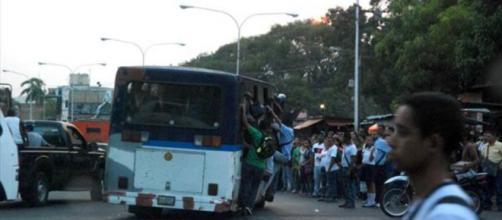 El caos se apodera de Venezuela - Noticias - Taringa! - taringa.net