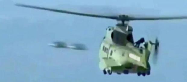 Emissora francesa grava ovnis a poucos metros de helicóptero de resgate (Jason Gleaves via BFMTV