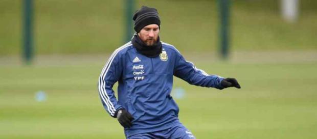 Leo Messi continua surpreendendo o Barcelona