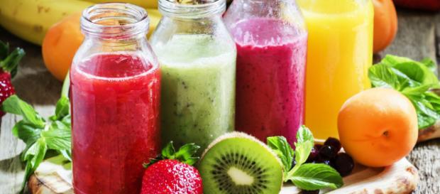 Los cocteles de jugos son útiles para desintoxicar el cuerpo de forma natural. - revistacompensar.com