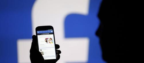 Los defensores de la privacidad también critican la red social.