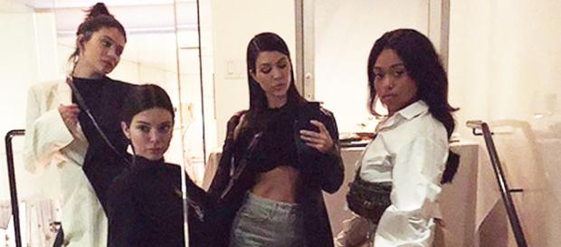 Kylie Jenner Has a Girls' Night Out With Sisters | PEOPLE.com - people.com