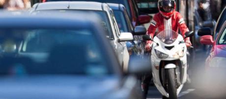 Quiere ahorrar dinero en gasolina y exportación? Medita comprar una motocicleta