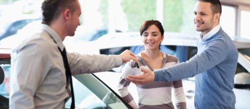 Algunos consejos que debes tomar en cuenta antes de comprarte un auto nuevo