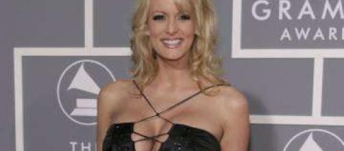 Fox News ignora el escándalo de Stormy Daniels - cheatsheet.com
