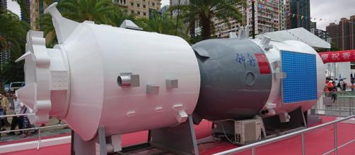 Shenzhou Spacecraft Reentry Module Model in Victoria Park, Hong Kong (Image credit – Ceeseven, Wikimedia Commons)