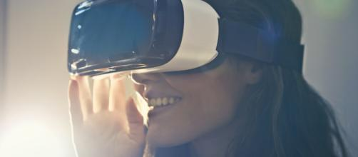 Virtual-reality-game-development-cost-free-image-sourced-by-pexels